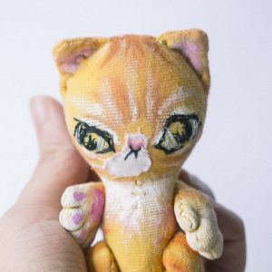 orange striped cat tabby is a good size as a blythe companion