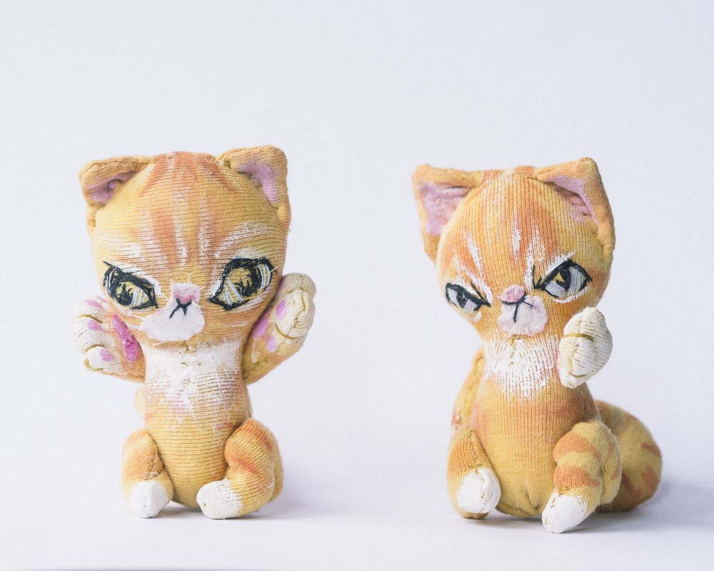 ginger orange handpainted striped cat pocket dolls is a good size for blythe