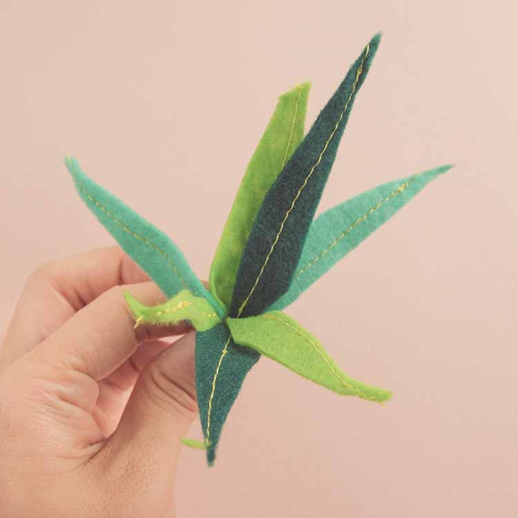 Arrange by hand to desired effect, resulting in a felt-leaf bouquet // Marn Made It